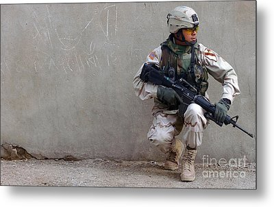 U.s. Army Soldier Armed With A 5.56mm Metal Print by Stocktrek Images