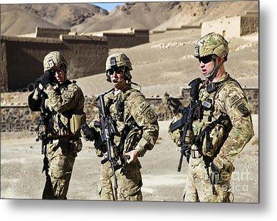 U.s. Army Soldiers Coordinate Security Metal Print by Stocktrek Images
