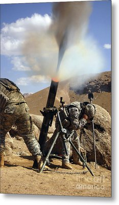 U.s. Army Soldiers Firing A 120mm Metal Print by Stocktrek Images