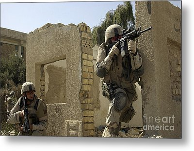 U.s. Army Soldiers Reacting To Small Metal Print by Stocktrek Images
