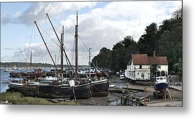 View Of Pin Mill From King's Yard Metal Print by Gary Eason