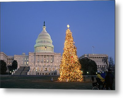 View Of The National Christmas Tree Metal Print by Richard Nowitz
