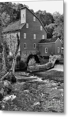 Vintage Mill In Black And White Metal Print by Paul Ward
