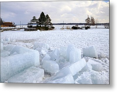 Winter In Lake Simcoe Metal Print by Charline Xia