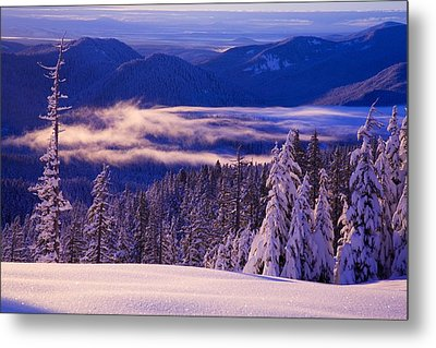 Winter Snow, Cascade Range, Oregon, Usa Metal Print by Craig Tuttle