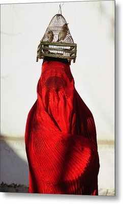 Woman Draped In Red Chadri Carries Metal Print by Thomas J. Abercrombie