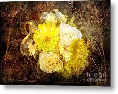 Yellow Gerbera Daisy And White Rose Bridal Bouquet In Nature Setting Metal Print by Cindy Singleton