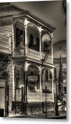 905 Royal Hotel Metal Print by Greg and Chrystal Mimbs