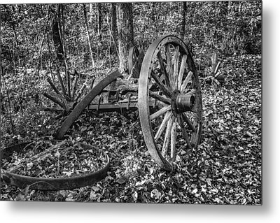 Forgotten Wagon Metal Print by Tom Mc Nemar