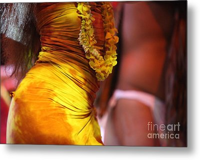 Hula Dancers Metal Print by Nadine Rippelmeyer