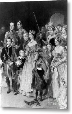 Queen Victoria With Members Of Royal Metal Print by Science Source