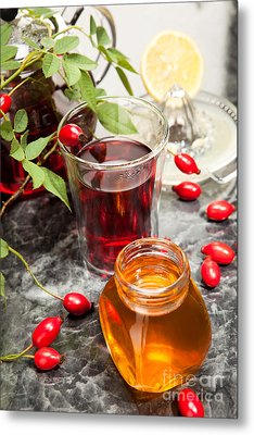 Rosehip Tea With Honey And Lemon In Glass Metal Print by Wolfgang Steiner