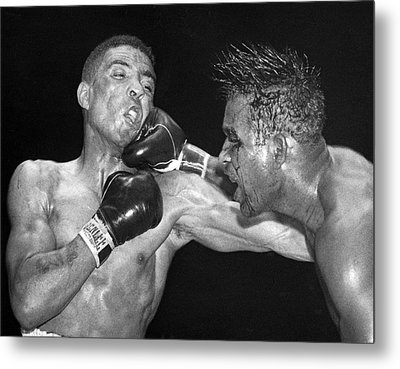 Sugar Ray Throws A  Right Metal Print by Underwood Archives