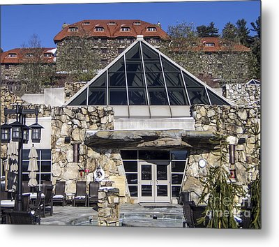 The Spa At The Omni Grove Park Inn Metal Print by David Oppenheimer