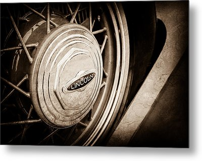 1933 Lincoln Kb Judkins Coupe Emblem - Spare Tire -0167s Metal Print by Jill Reger