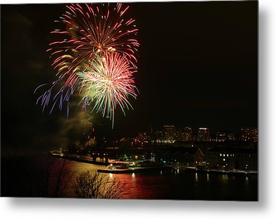 2015 New Years Eve Fireworks Metal Print by Paul Wash