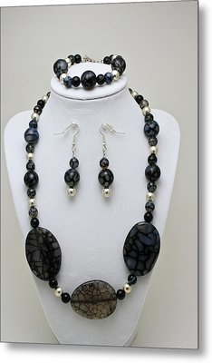3548 Cracked Agate Necklace Bracelet And Earrings Set Metal Print by Teresa Mucha