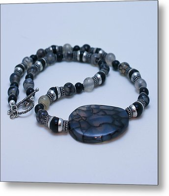 3552 Cracked Agate Necklace Metal Print by Teresa Mucha