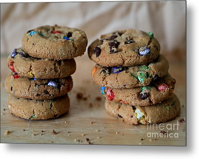 A Balanced Diet Is A Cookie In Each Hand Metal Print by Tracy Hall