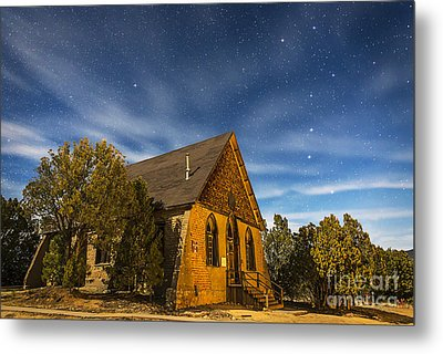 A Moonlit Nightscape Of The Historic Metal Print by Alan Dyer
