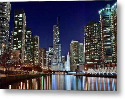 A View Down The Chicago River Metal Print by Frozen in Time Fine Art Photography