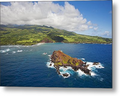 Aerial Of Alau Islet Metal Print by Ron Dahlquist - Printscapes