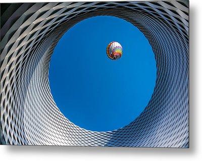 Ballon [ O ] Metal Print by Markus Lissner