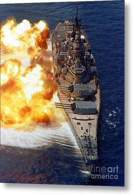 Battleship Uss Iowa Firing Its Mark 7 Metal Print by Stocktrek Images