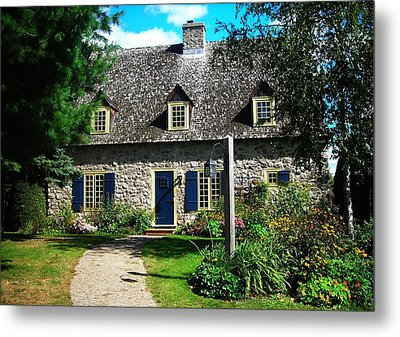 Beautiful Home ... Metal Print by Juergen Weiss