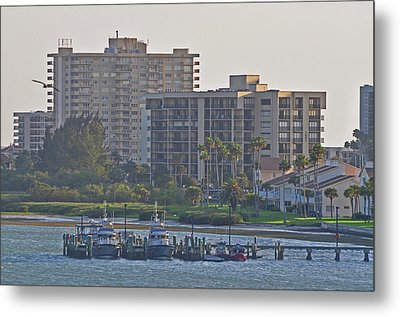 Boat Dock On The Bay Metal Print by Peter  McIntosh