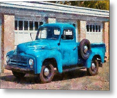 Car - Truck - An International Old Truck Metal Print by Mike Savad