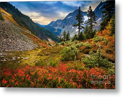 Cascade Pass Fall Metal Print by Inge Johnsson