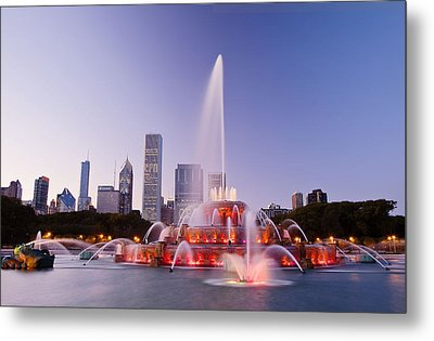 Chicago Buckingham Fountain At Twilight Metal Print by Abhi Ganju