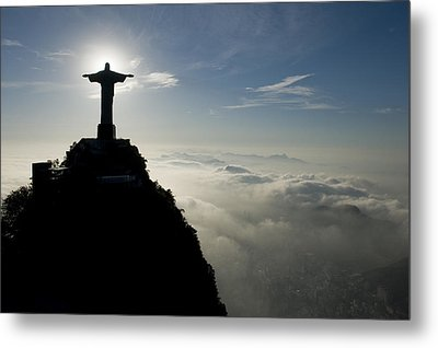Christ The Redeemer Statue At Sunrise Metal Print by Joel Sartore
