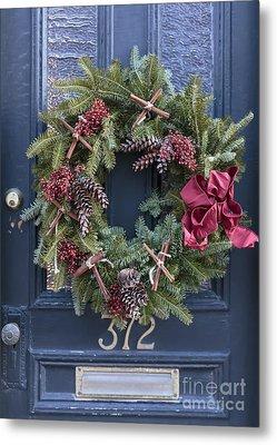 Christmas Wreath Metal Print by Edward Fielding