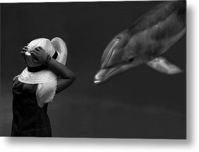 Close Encounter ... Metal Print by Yvette Depaepe