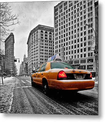Colour Popped Nyc Cab In Front Of The Flat Iron Building  Metal Print by John Farnan