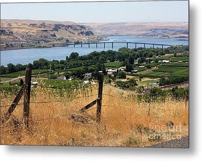 Columbia River - Biggs And Maryhill State Park Metal Print by Carol Groenen