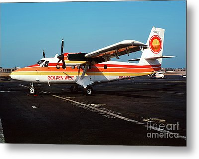 De Havilland Canada Dhc-6 Twin Otter, N64150 Metal Print by Wernher Krutein