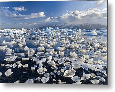 Diamonds Sea Metal Print by Joan Gil Raga