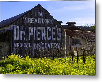 Dr Pierces Barn Metal Print by Garry Gay