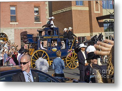 Duke And Duchess Of Cambridge 3 Metal Print by Donna Munro
