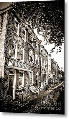 Elfreth Alley  Metal Print by Olivier Le Queinec