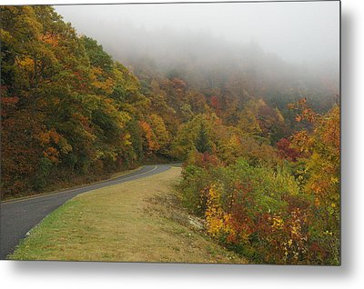 Fall Fog On The Blue Ridge Parkway Metal Print by Cindy Hicks
