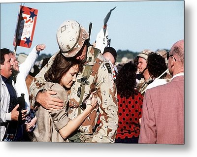 Family And Friends Greet Members Metal Print by Everett