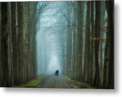 Family Walk Metal Print by Martin Podt