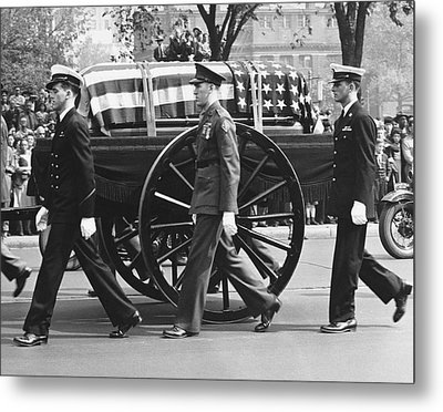 Fdr Funeral Proccesion Metal Print by Underwood Archives