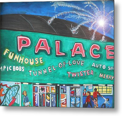 Fireworks At The Palace Metal Print by Patricia Arroyo