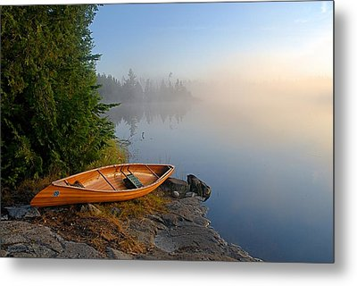 Foggy Morning On Spice Lake Metal Print by Larry Ricker