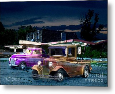 Food And Foam Metal Print by Tom Straub